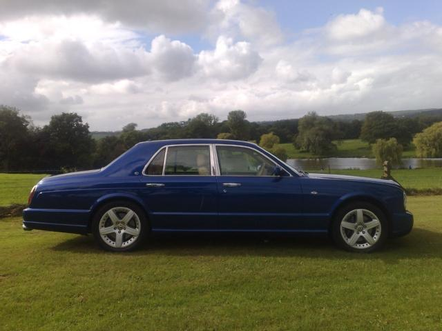 BENTLEY ARNAGE 6.8 blue