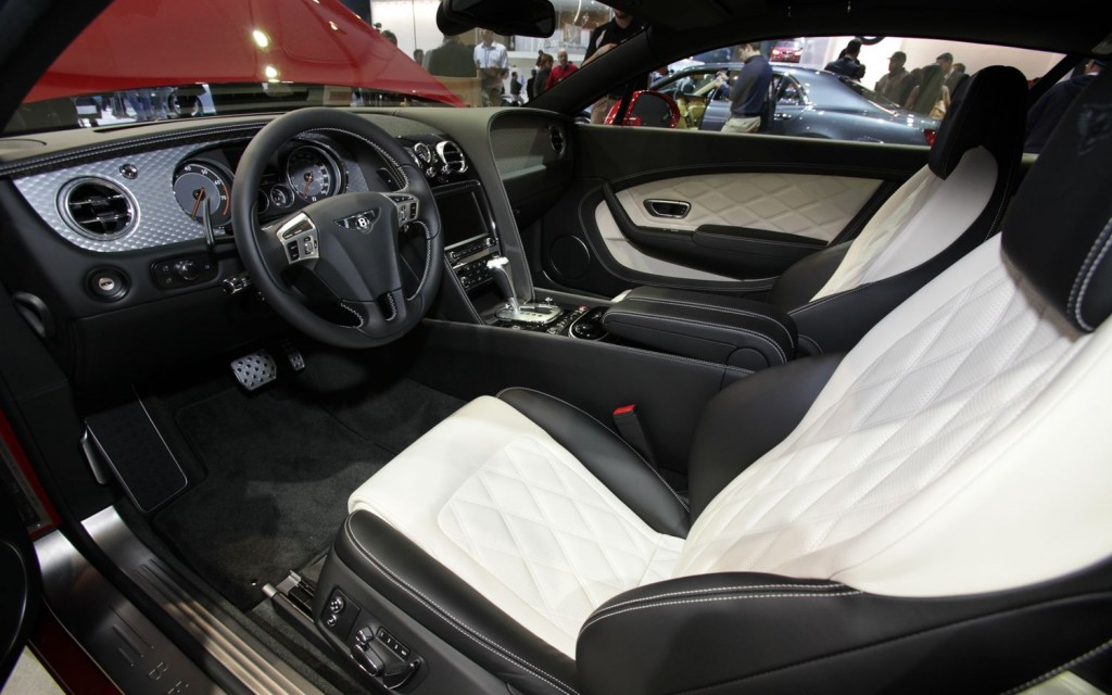 BENTLEY CONTINENTAL 6.0 interior