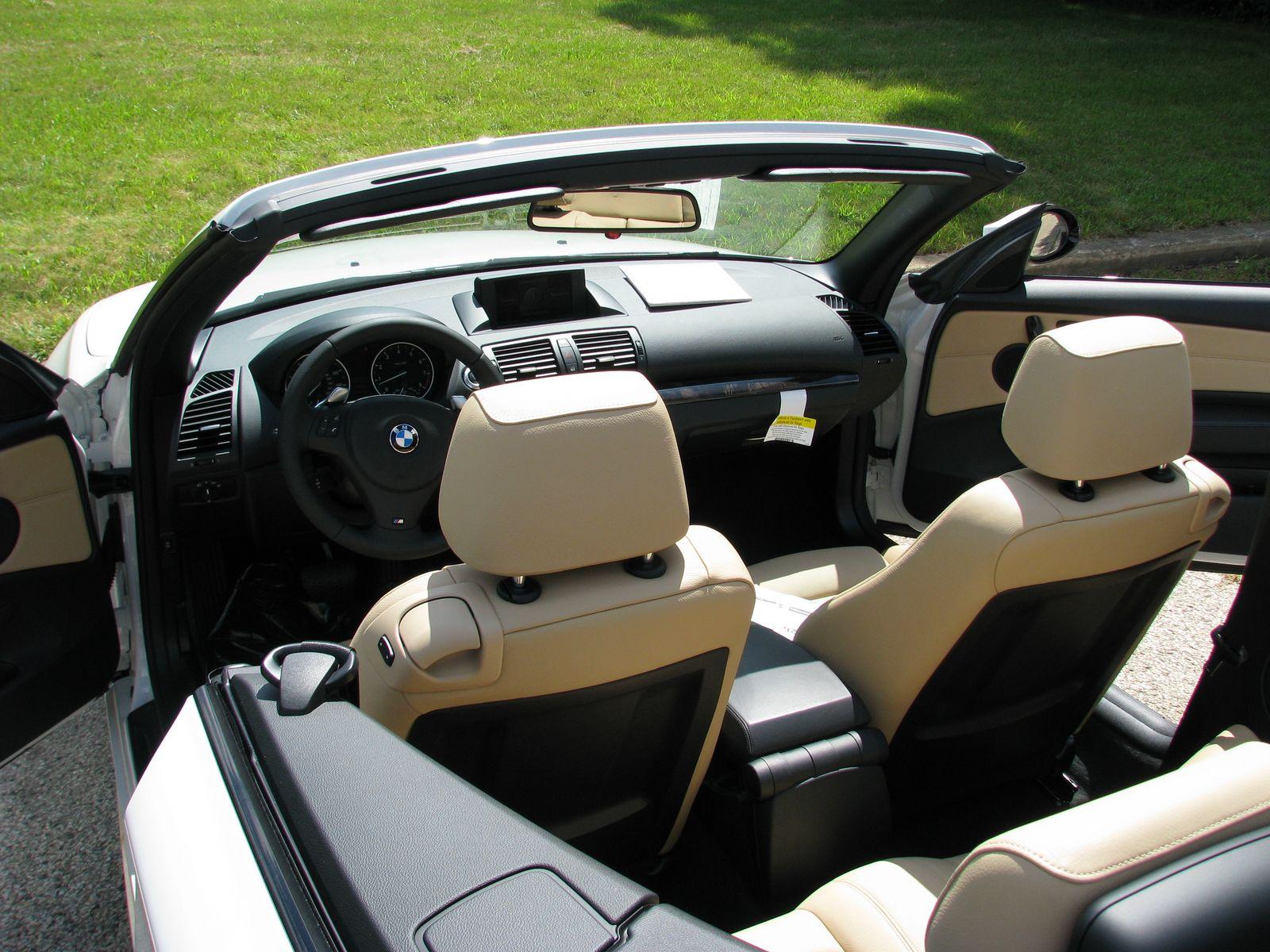 BMW 1600 CABRIOLET interior