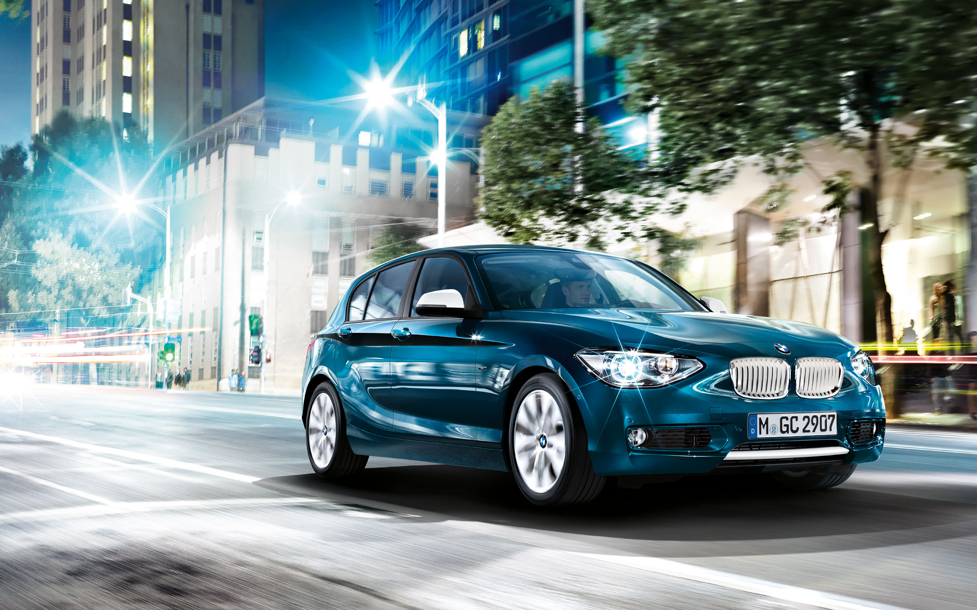 BMW 1 blue