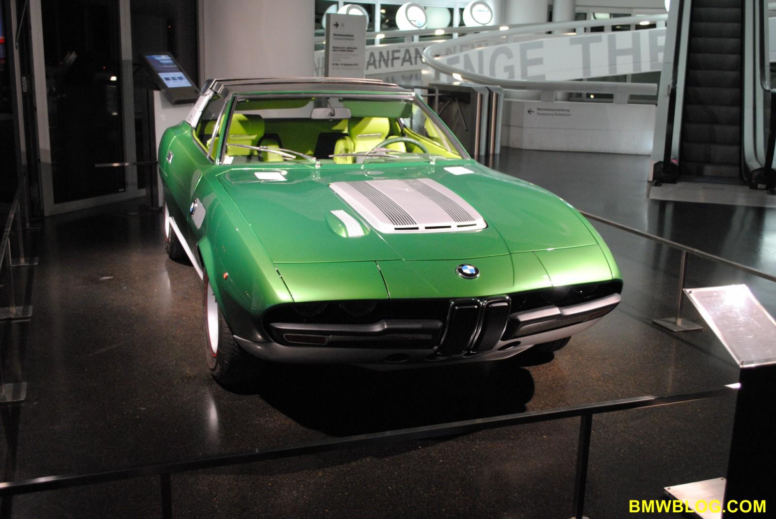 BMW 2800 green