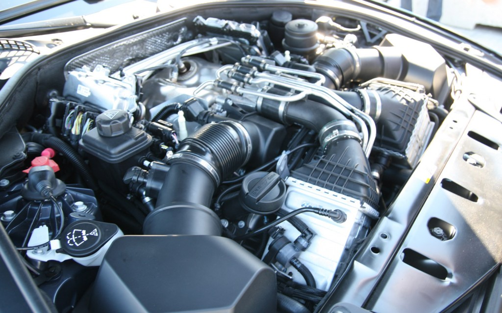 BMW 5 M5 engine