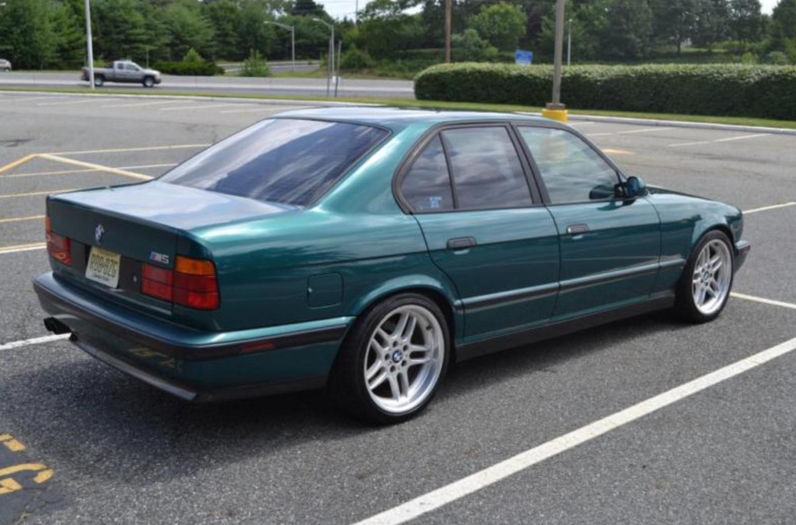 BMW 5 M5 green