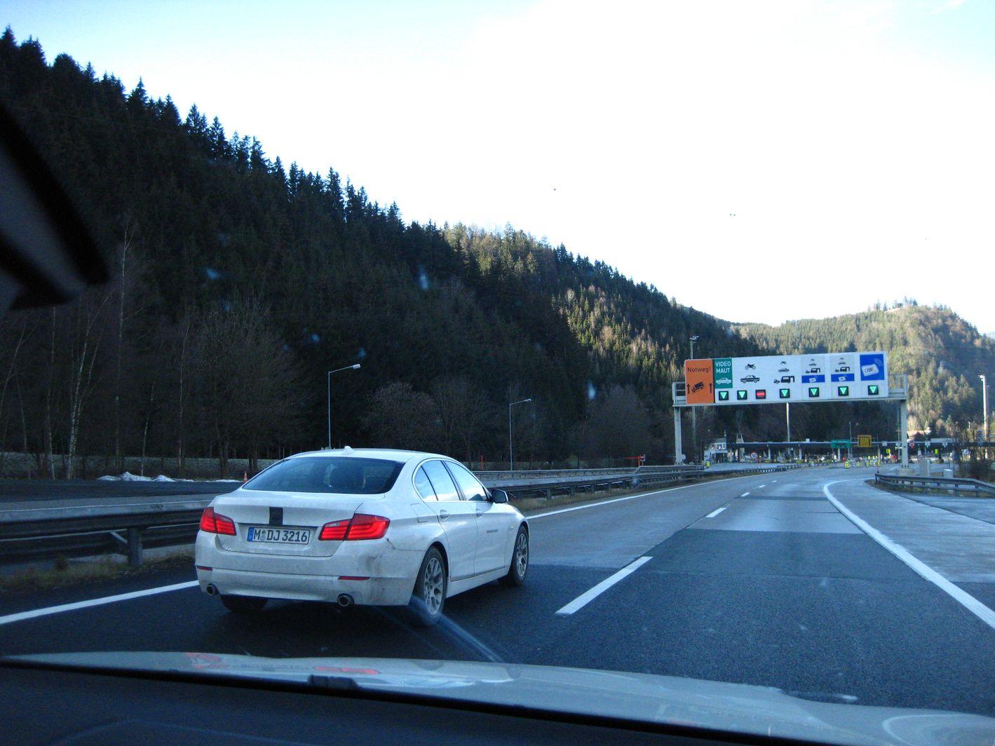 BMW 5 white