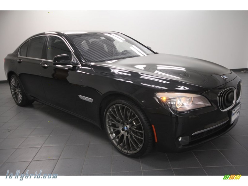 BMW 7 HYBRID black