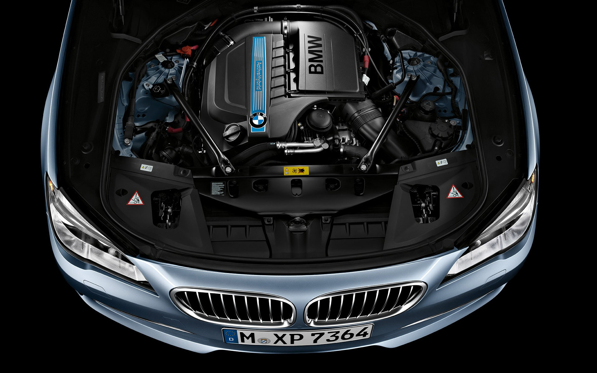 BMW 7 HYBRID engine