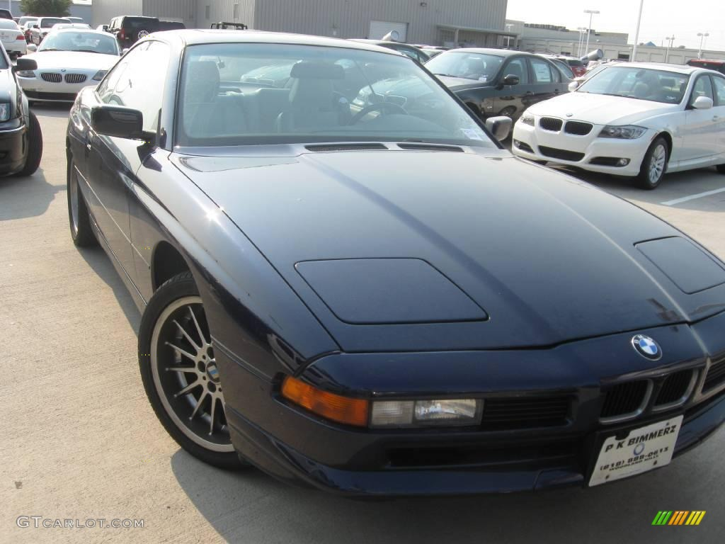 BMW 8 SERIES blue