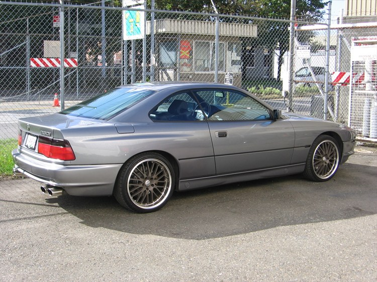 BMW 8 SERIES silver