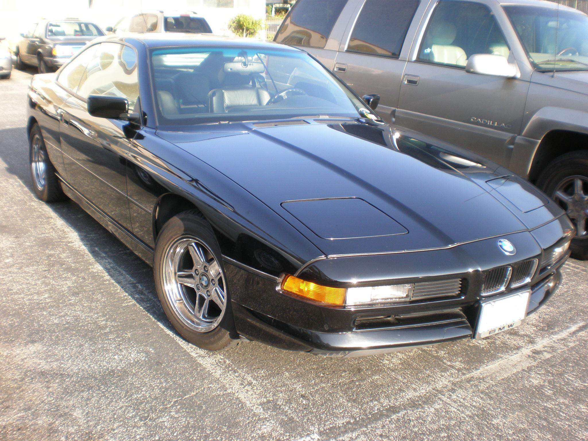 BMW 8 black