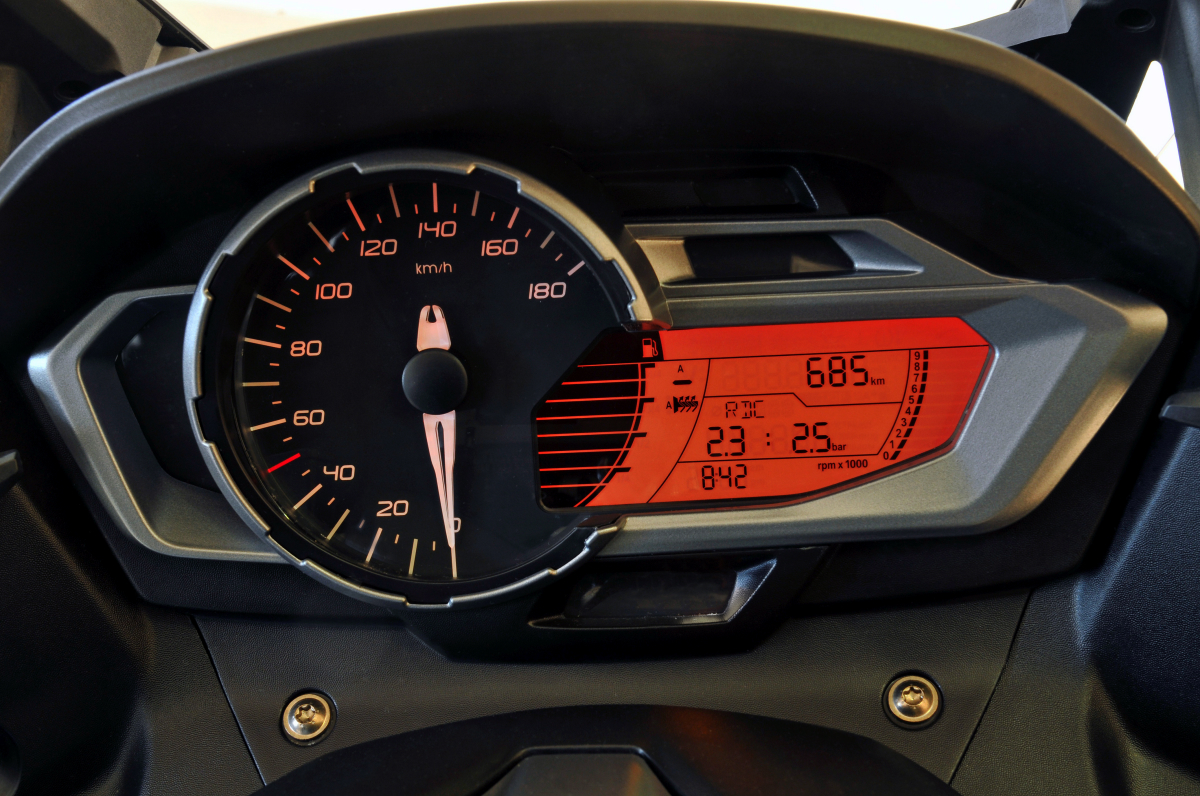 BMW C 600 SPORT red