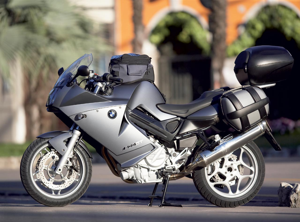 BMW F 800 ST brown