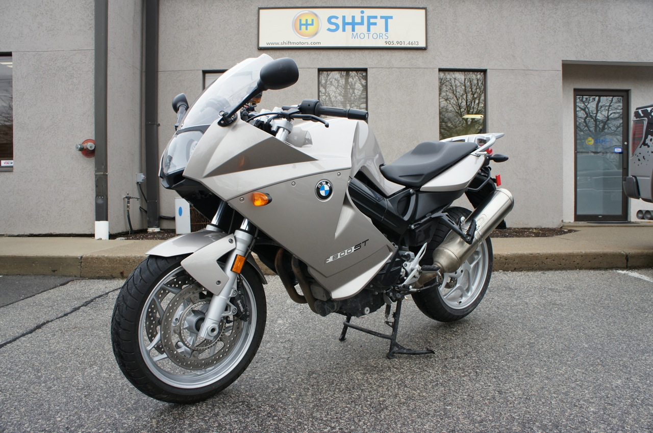 BMW F800ST interior