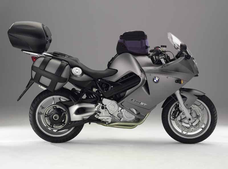 BMW F800ST white
