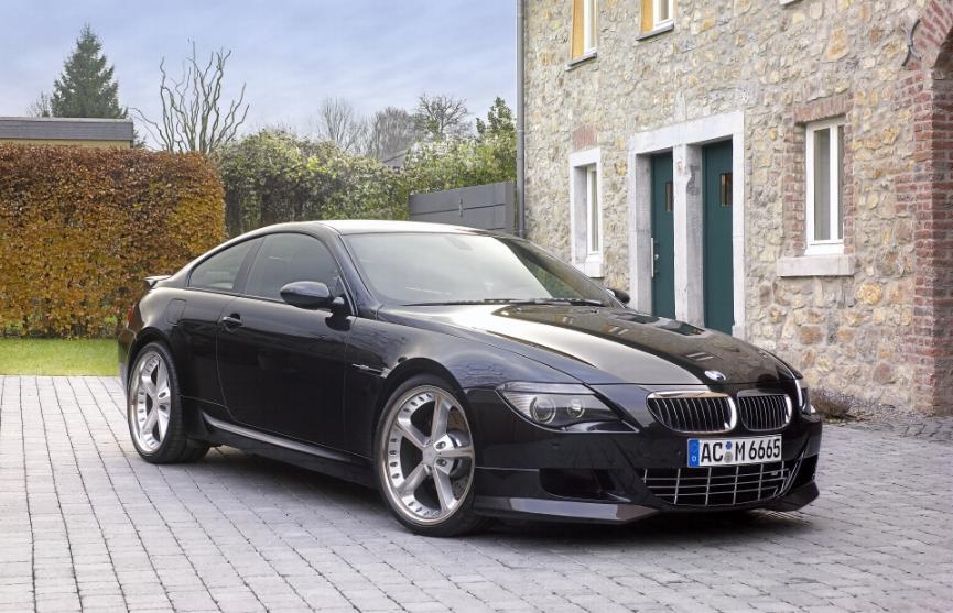 BMW M 635 black