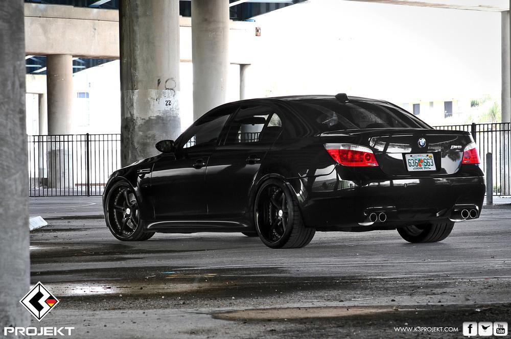BMW M5 black