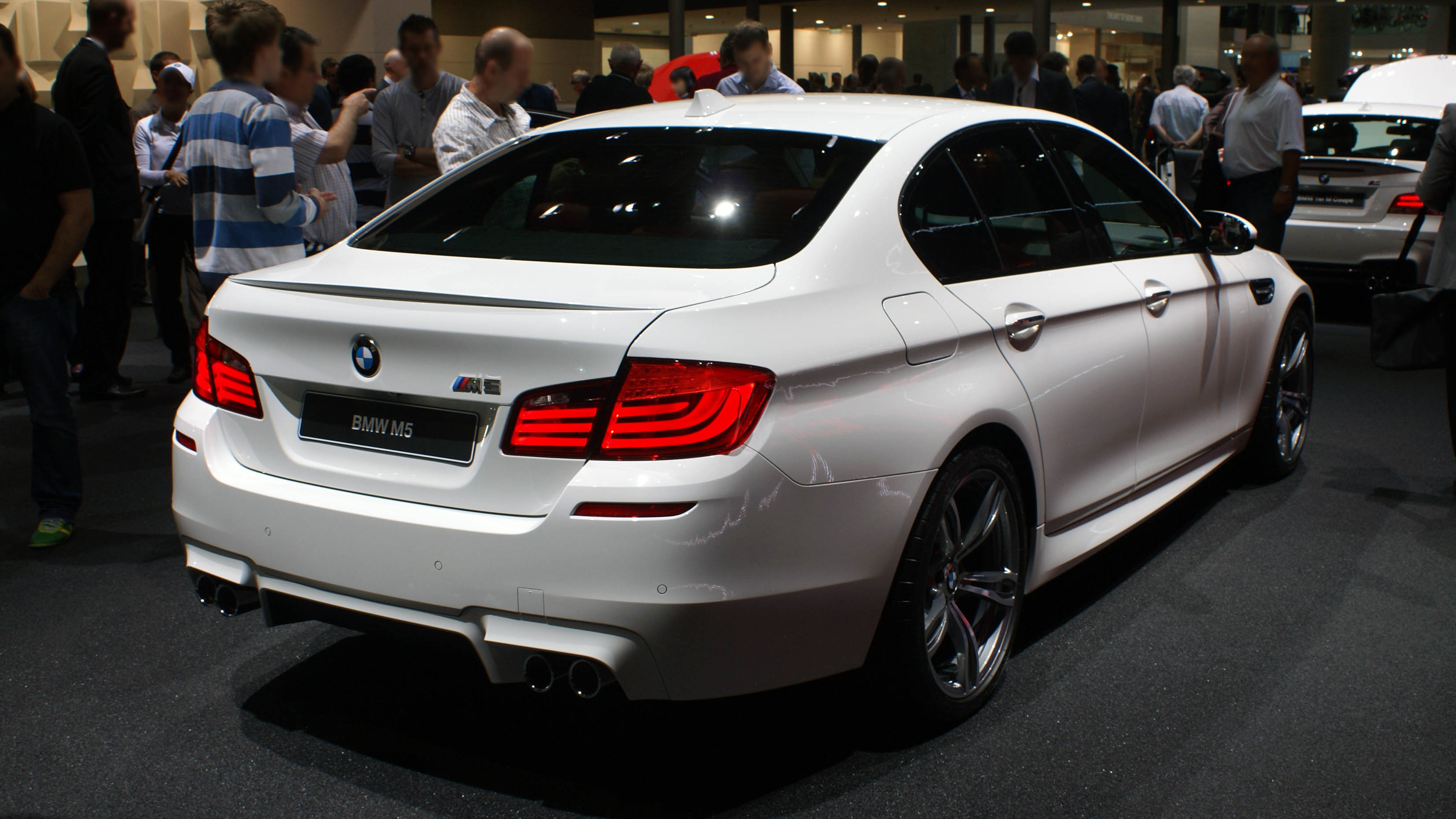 BMW M5  Review and photos