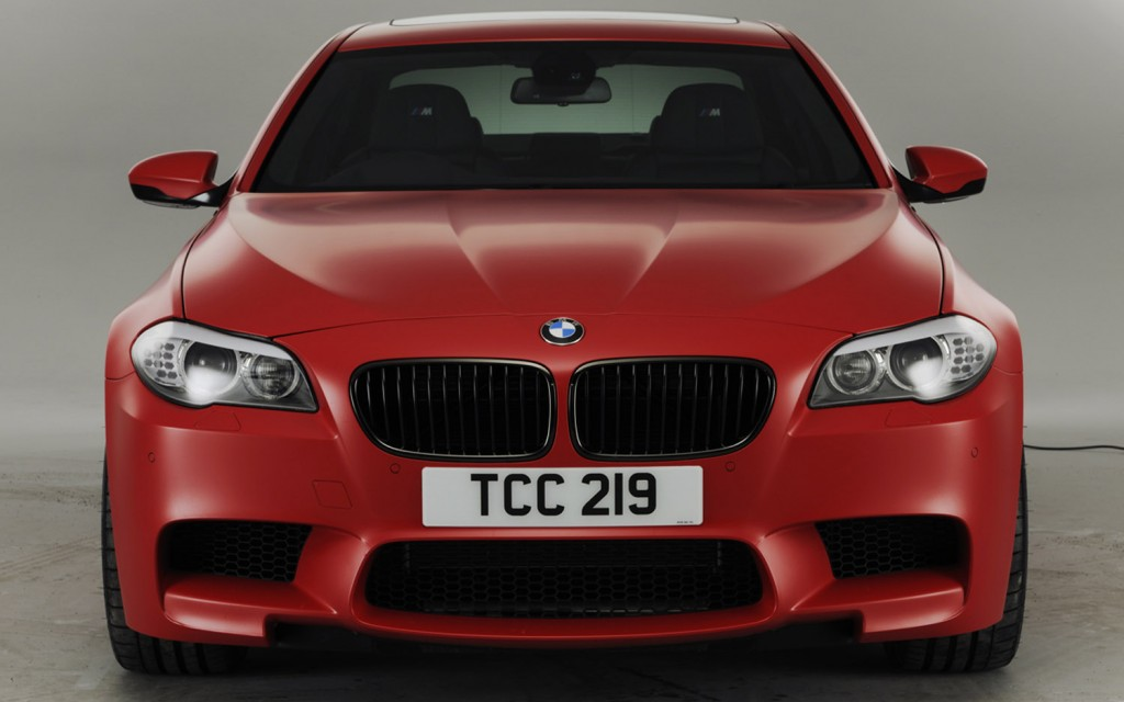 BMW M5 red
