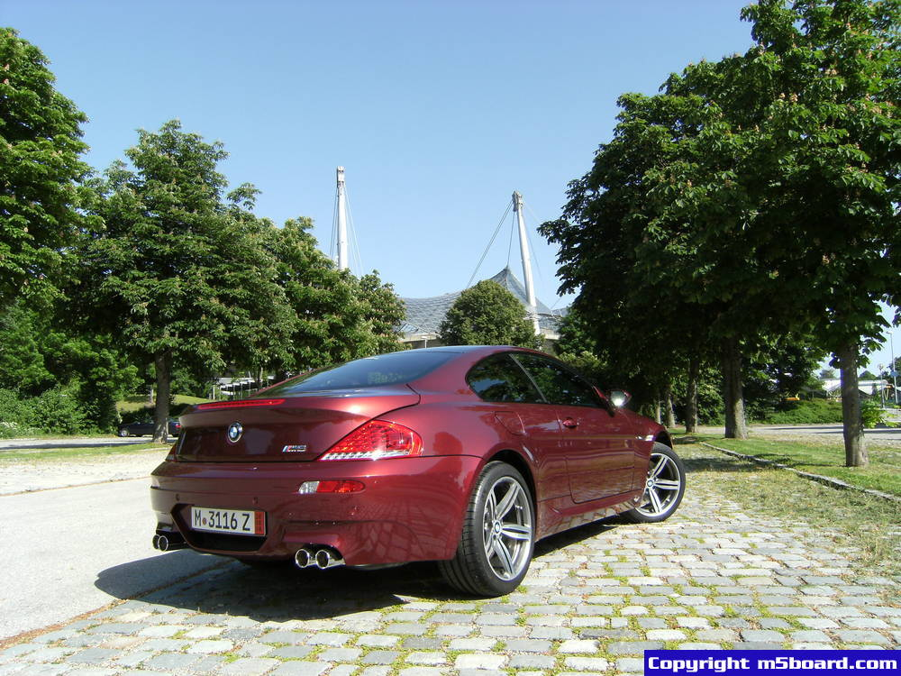 BMW M6 red