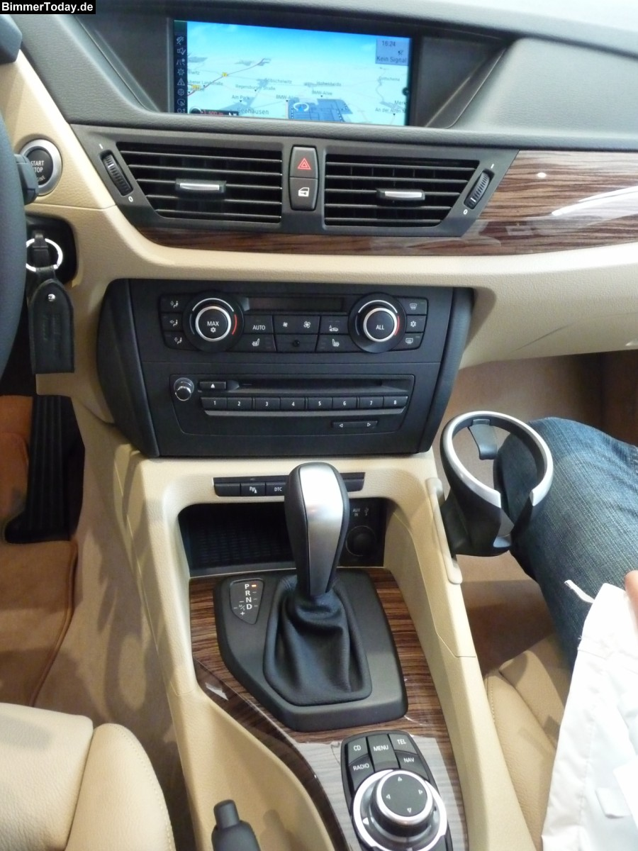 BMW X1 20D brown