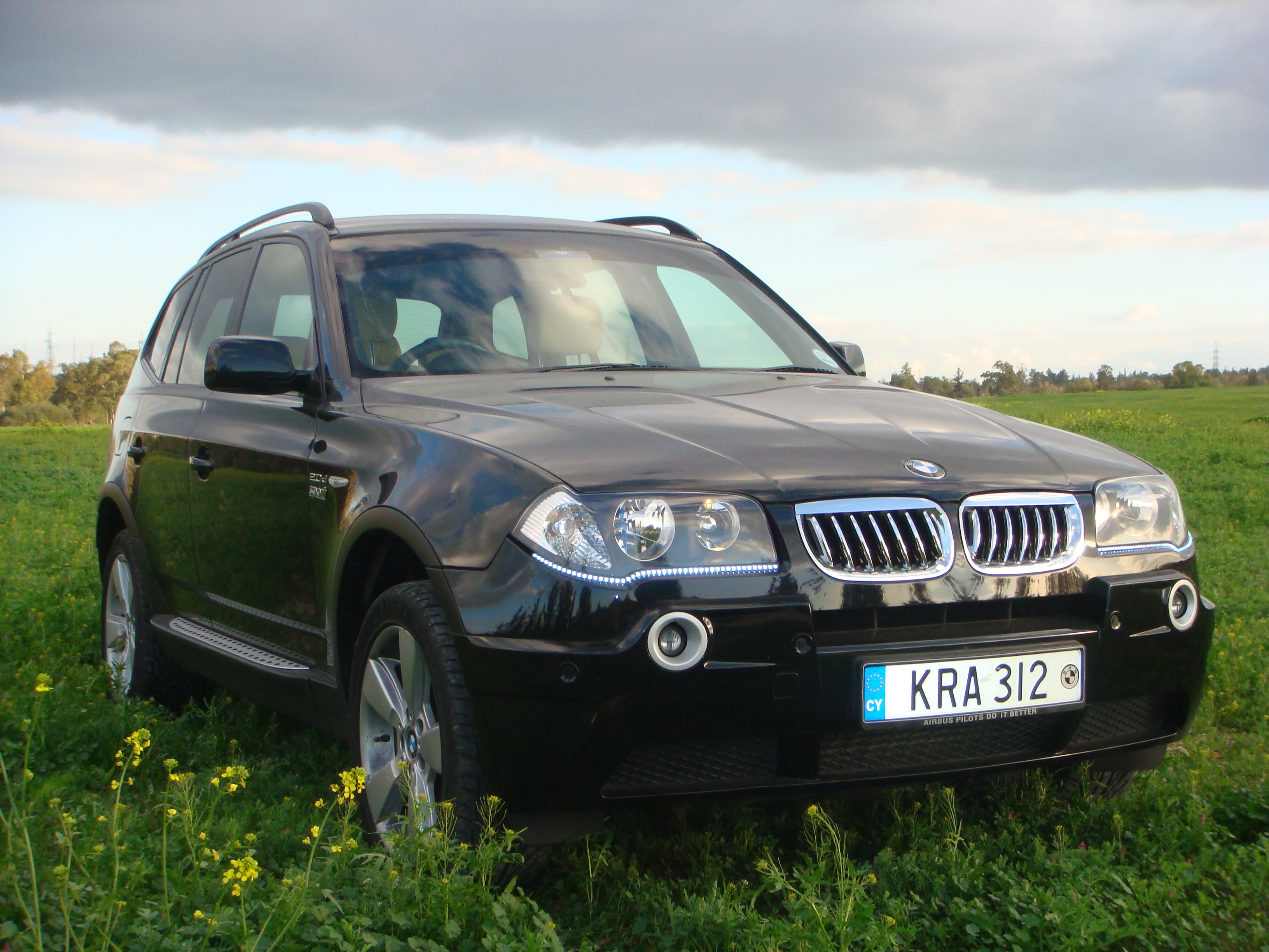 BMW X3 2.0D red