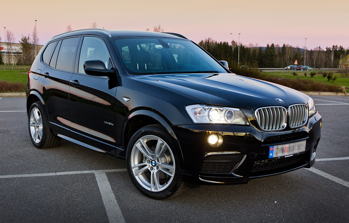 BMW X3 black
