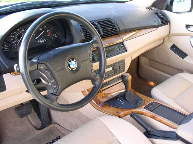 2001 bmw x5 with 1122 Bmw X5 30 Interior 5 on Bmw Pferde I203541871 together with Mercedes Benz C Class Fb0057dcad17a697 furthermore Bangle Butt in addition 2001 Bmw X5 4 4l Sport Silver Black 120652 together with Sicherungskasten I203722648.