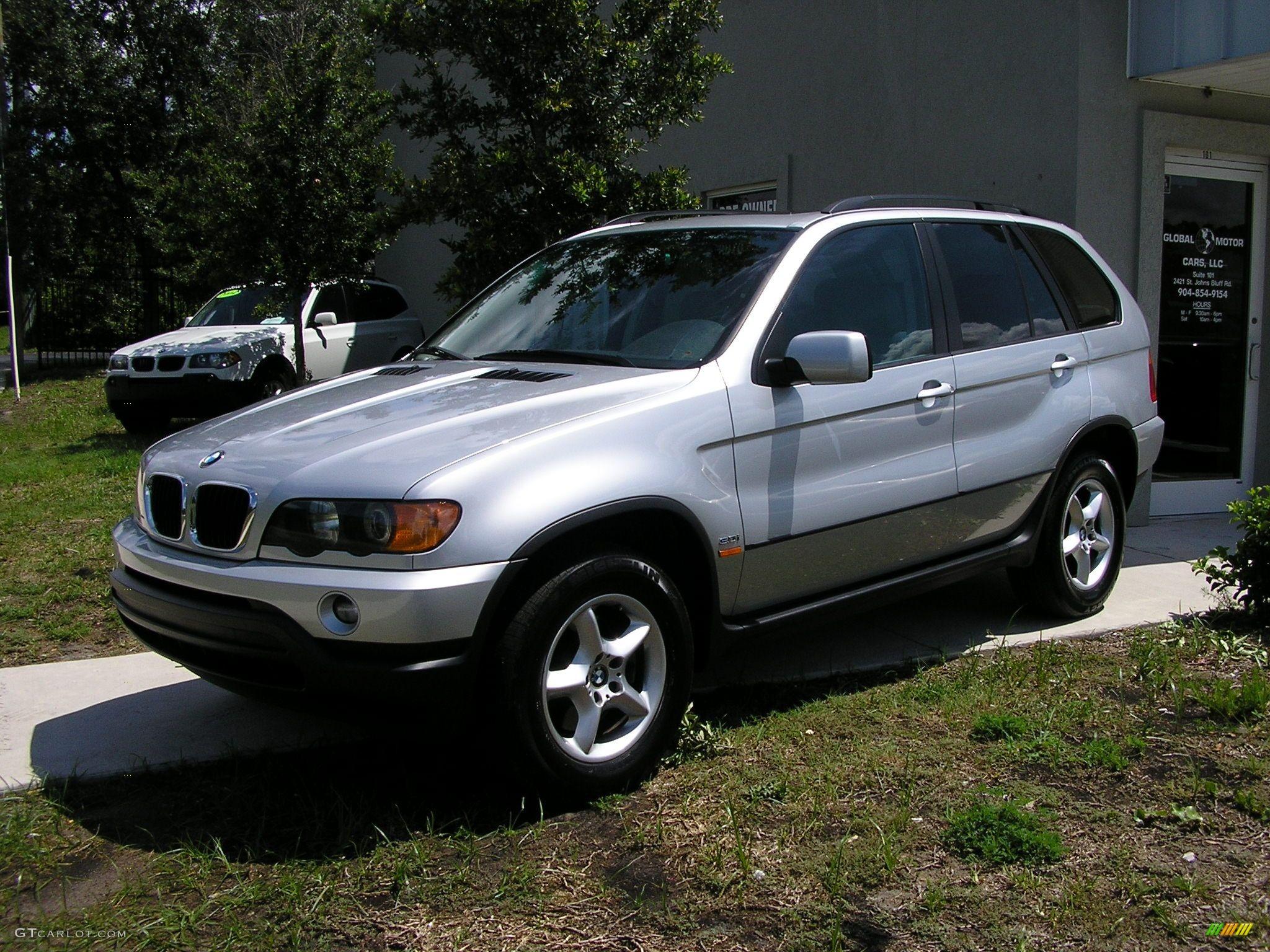 BMW X5 3.0 white