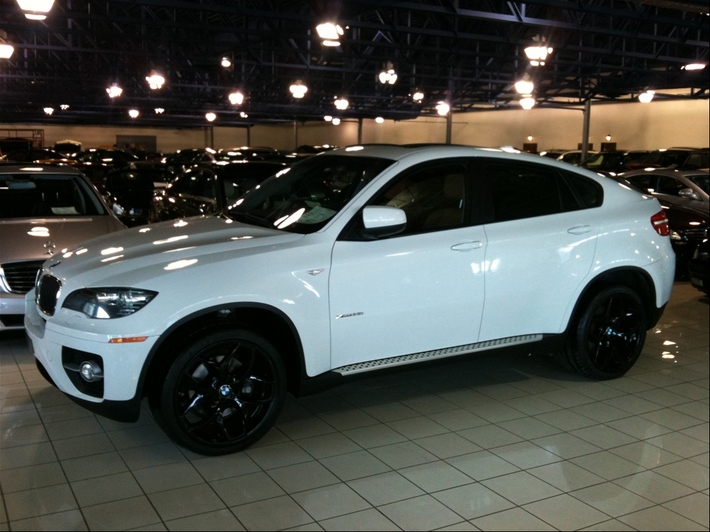 bmw x6 review and photos. Black Bedroom Furniture Sets. Home Design Ideas