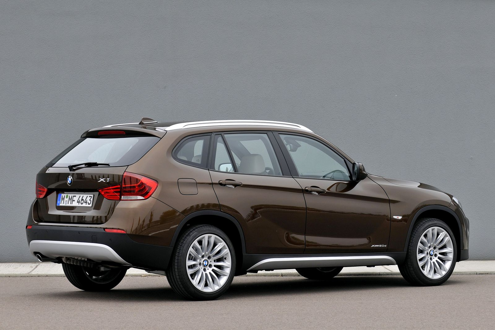 BMW X6 brown
