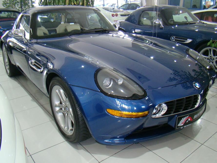 BMW Z8 blue