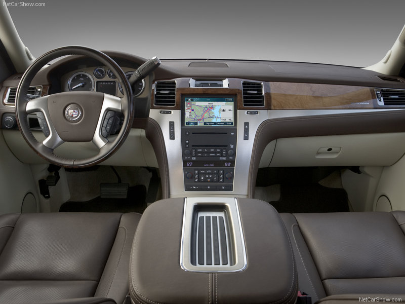 CADILLAC ESCALADE - Review and photos