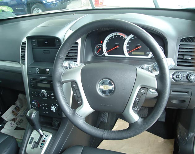 CHEVROLET CAPTIVA 2.0 interior