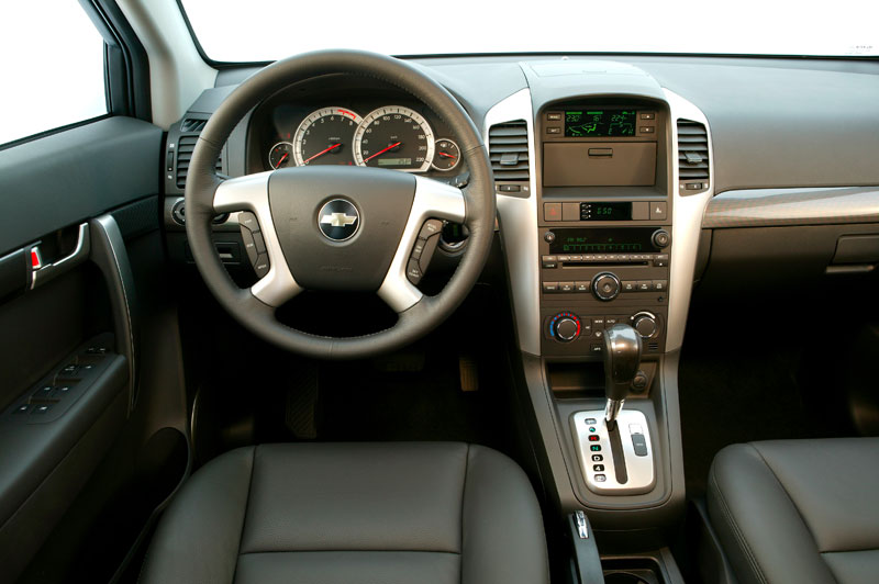 CHEVROLET CAPTIVA interior