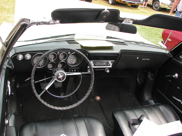 CHEVROLET CORVAIR CORSA interior