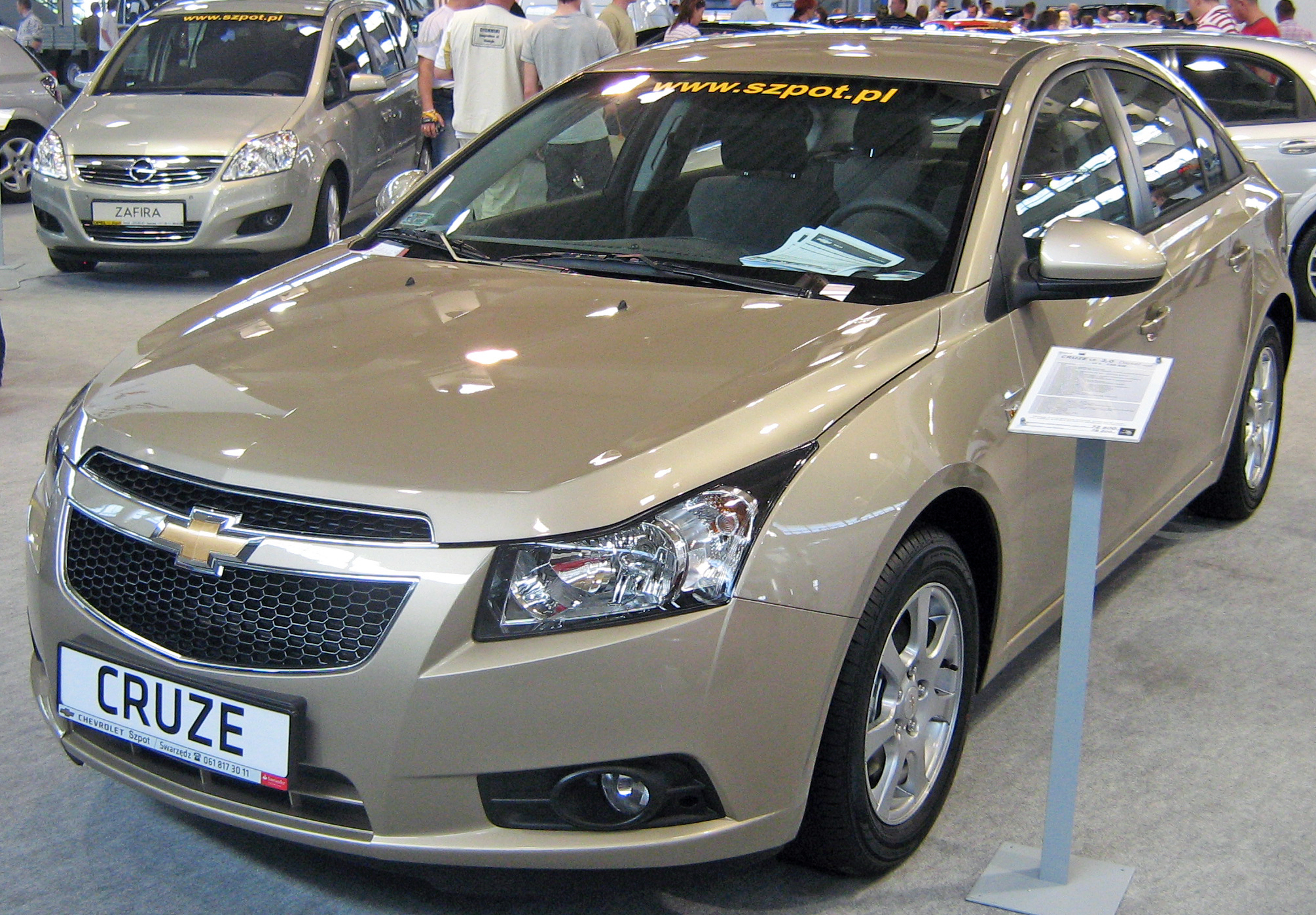 CHEVROLET CRUZE brown