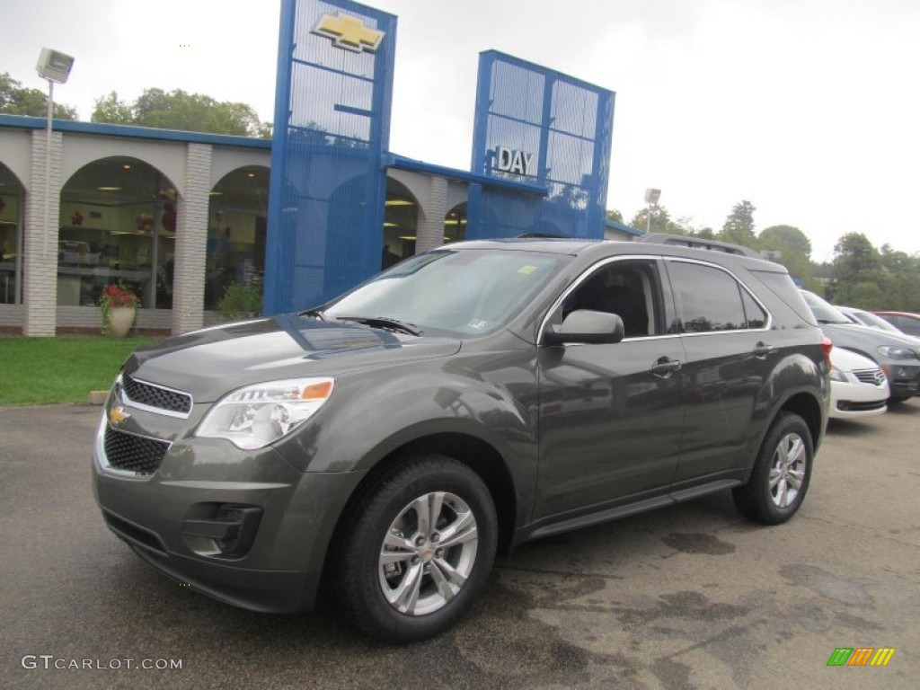 CHEVROLET EQUINOX LT AWD green