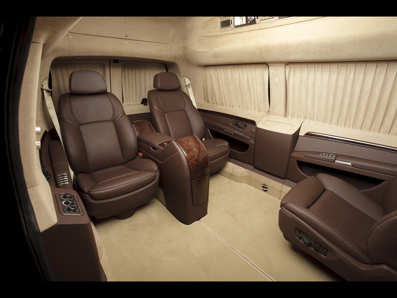 CHEVROLET EXPRESS interior