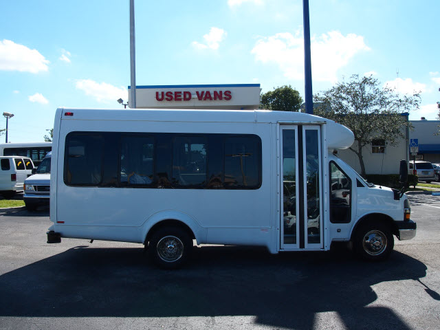 CHEVROLET EXPRESS white
