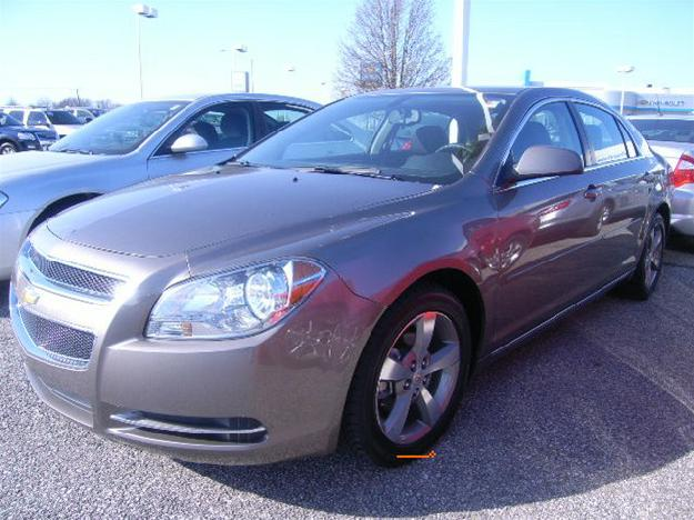 CHEVROLET MALIBU 1LT brown