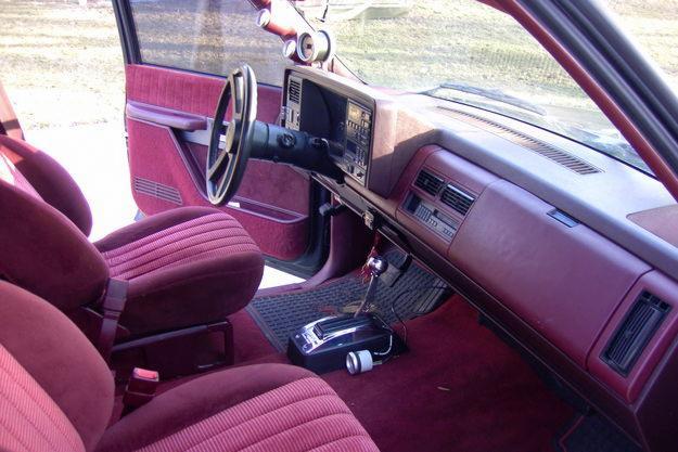 CHEVROLET SS 454 PICKUP interior