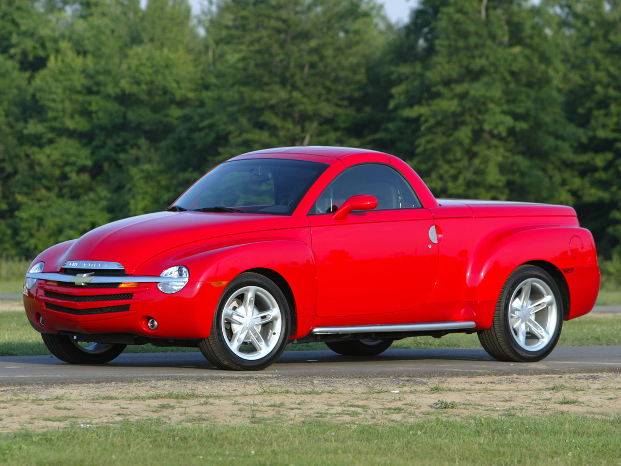 CHEVROLET SSR red