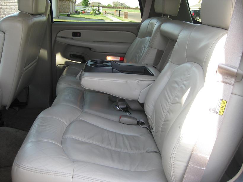 CHEVROLET TAHOE 4WD interior