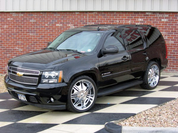 CHEVROLET TAHOE black