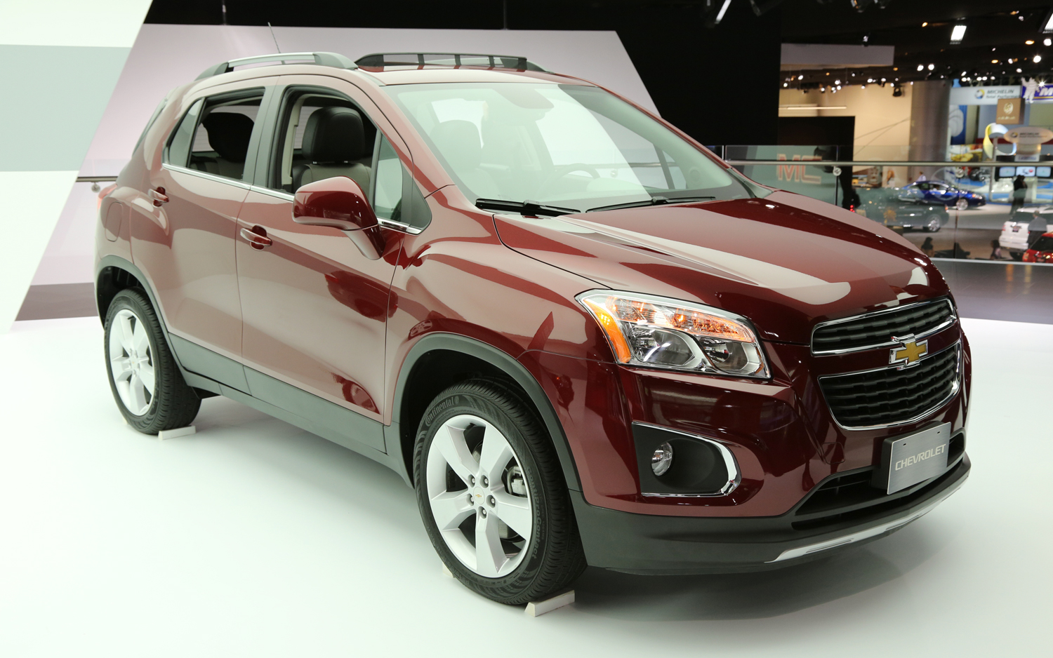CHEVROLET TRAX brown