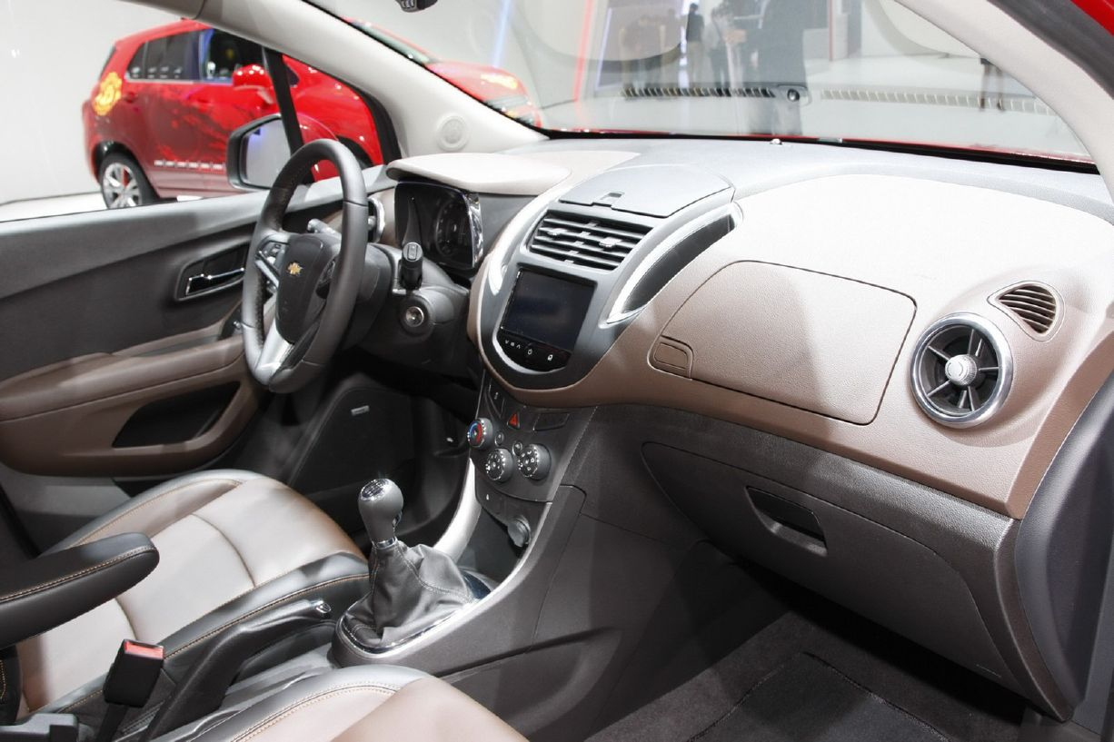 Chevrolet trax review and photos chevrolet trax interior sciox Image collections