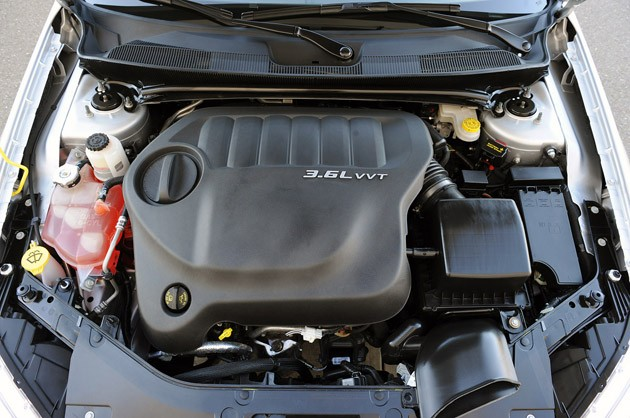 CHRYSLER 200 engine