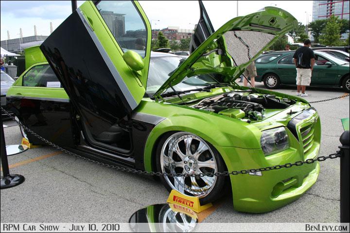 CHRYSLER 300 green
