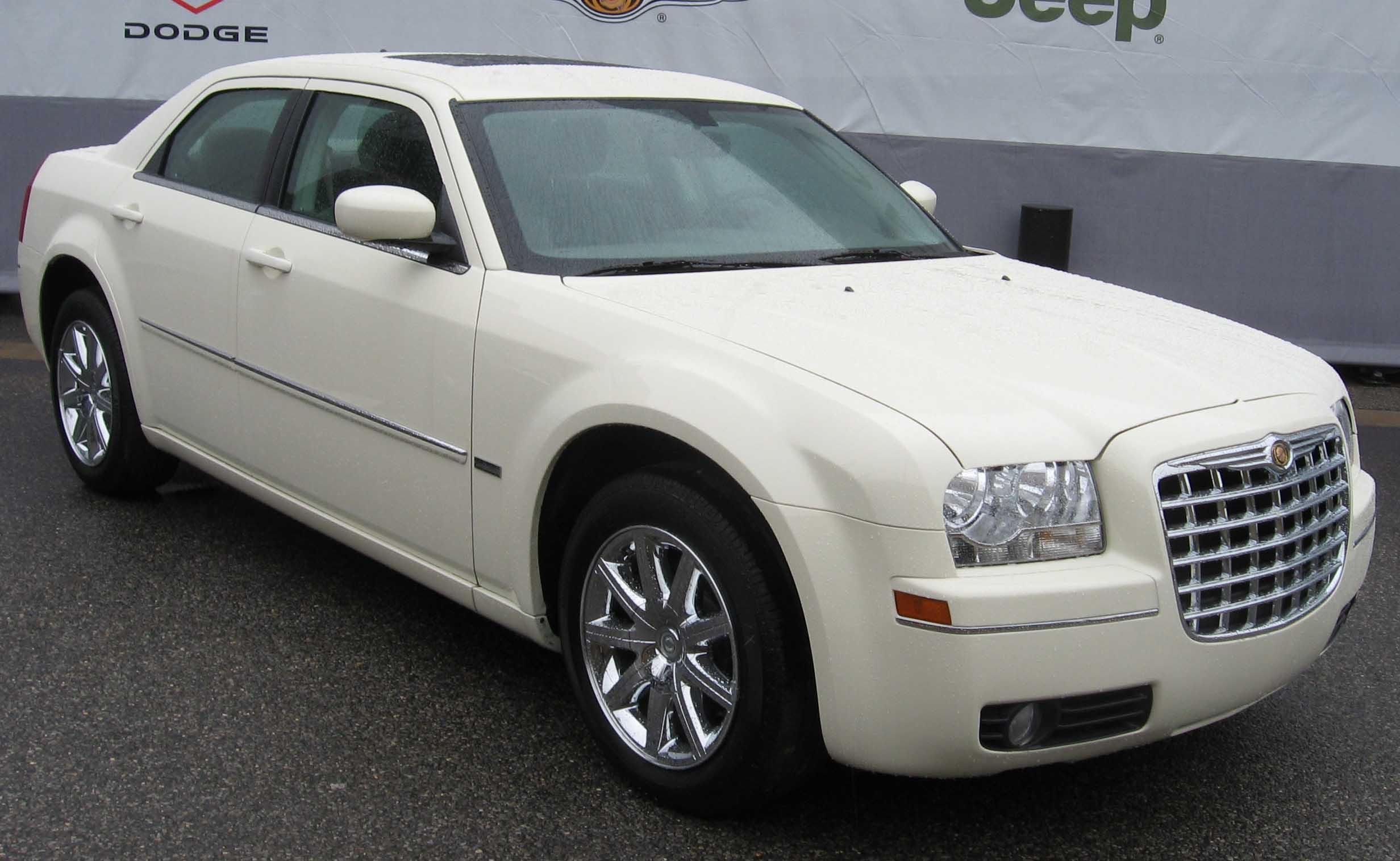 listings chrysler c john varvatos for luxu motors wabash full sale