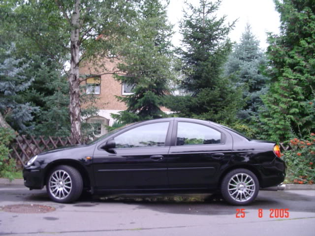 CHRYSLER NEON black