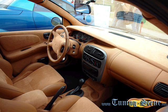 CHRYSLER NEON interior